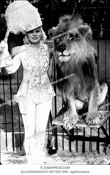 1933, Film Title: I'M NO ANGEL, Director: WESLEY RUGGLES, Studio: PARAMOUNT, Pictured: ANIMALS (WITH ACTORS), LION, WESLEY RUGGLES
