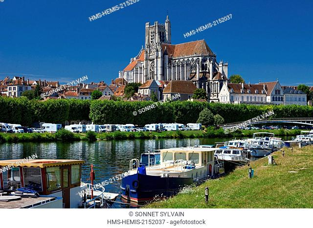France, Yonne, Auxerre, the Cathedral Saint Etienne