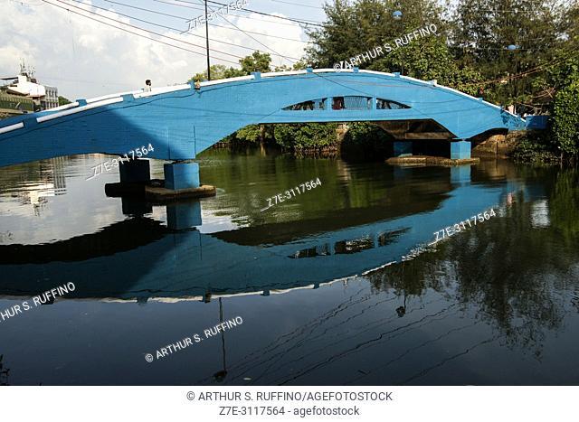Blue bridge over Mandovi River, Old Goa, UNESCO World Heritage Site, Goa State, India