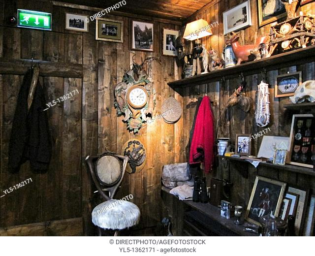 Paris, France, French Art Museum, Hunting Museum, Musée de la Chasse, inside, Installation of Hunting Cabin
