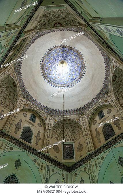 Iran, Southeastern Iran, Mahan, Aramgah-e Shah Nematollah Vali, mausoleum of Sufi dervish Shah Nematollah Vali, 15th century, interior