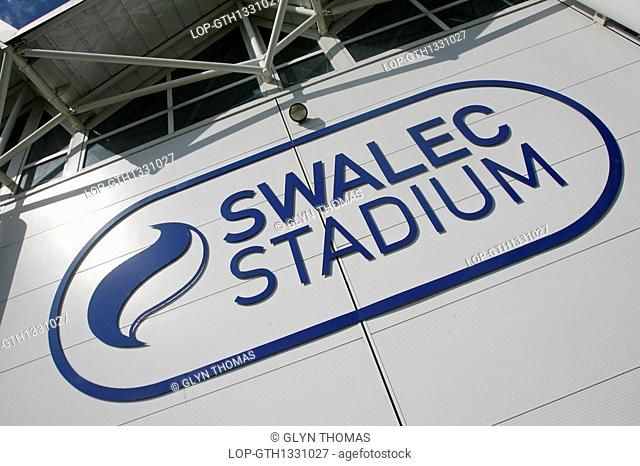 Wales, Cardiff, Cardiff, Swalec Stadium in Cardiff, home to Glamorgan Cricket Club. The new stadium boasts a 16,000 strong capacity sporting arena and state of...