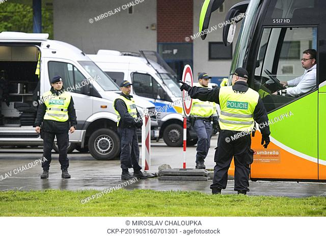 A Czech police exercise began today on the border with Germany, focusing on a possible re-introduction of border controls with 12 crossings in the west-Bohemian...