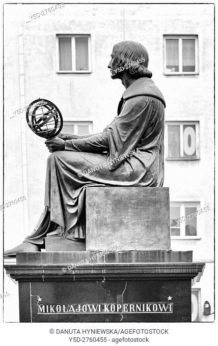 Nicolaus Copernicus - Mikolaj Kopernik - statue, Nowy Swiat street, Warsaw, Poland, Europe