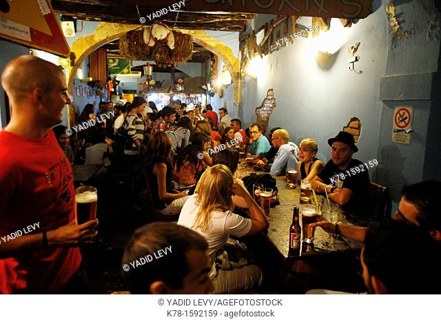 Young people at Oghorn's Bar in coso Vittorio Emanuele st , Cagliari, Sardinia, Italy