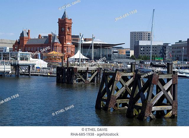 View of Mermaid Quay, Pierhead Building and Senedd Senate, Cardiff Bay, Cardiff, Wales, United Kingdom, Europe
