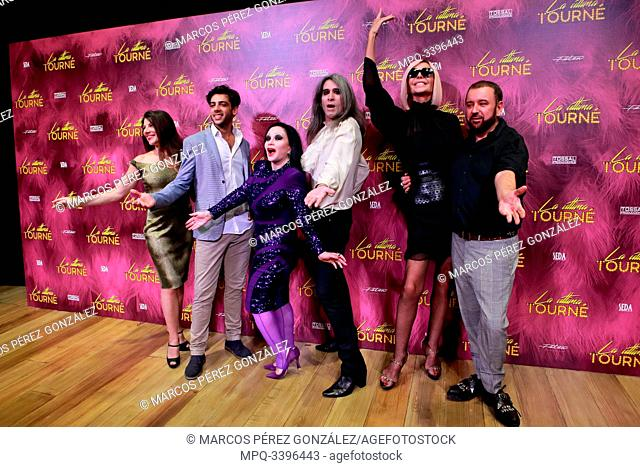The actors Marisol Muriel, Cayetano Fernández, Alaska, Mario Vaquerizo, Bibiana Fernández and the director Felix Sabroso attends the photocall of the theater...