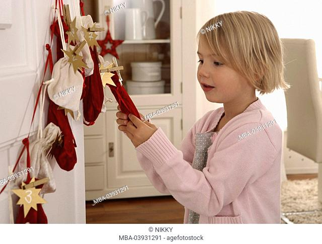 girl, advent-calendars, little sack, feeling sideward, semi-portrait