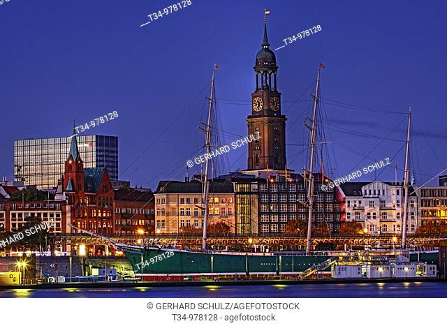 St. Michaelis Church and Rickmer Rickmers sailing ship, Hamburg, Germany