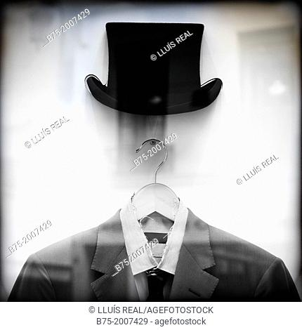 Simulation Closeup portrait of a man in a top hat and a suit