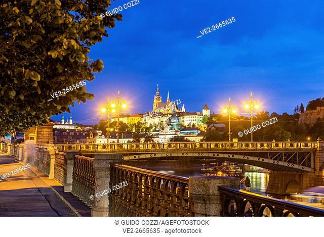 Cechuv Most bridge and the Castle, Prague, Czech Republic