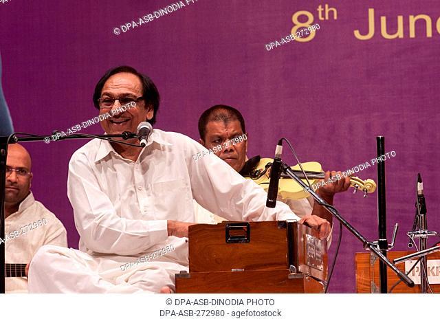 Pakistani ghazal and playback singer Ghulam Ali Khan performing in Mumbai, India, Asia