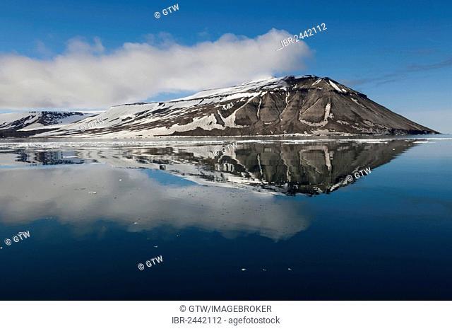 Hinlopen Strait, Svalbard Archipelago, Arctic Norway, Europe