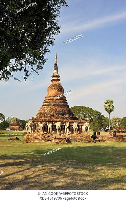 chedi at Wat Sorasak site, Sukhothai Historical Park, Sukhothai, Thailand