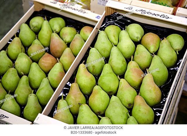 Pears, Mercabilbao fruits and vegetables wholesale market, Basauri, Bilbao, Bizkaia, Euskadi, Spain