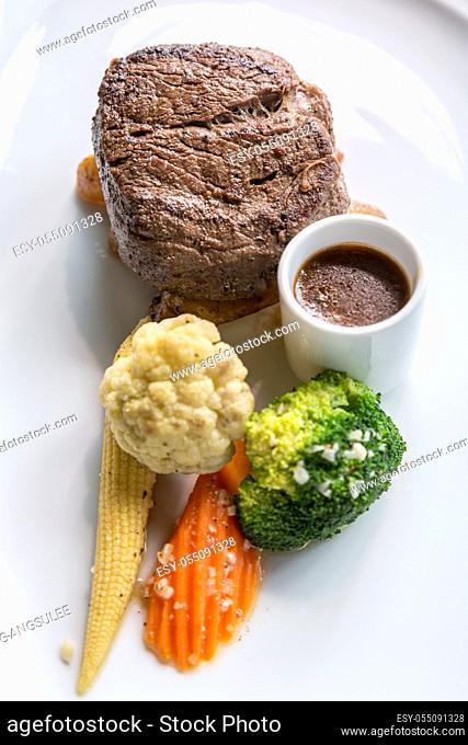 Grilled beef steak tenderloin with vegetable