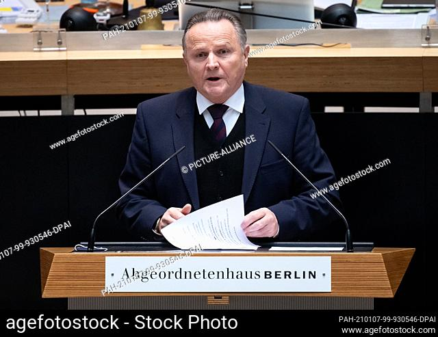 07 January 2021, Berlin: Georg Pazderski (AfD) speaks at the special session in the Berlin House of Representatives. The 69th plenary session of the House of...