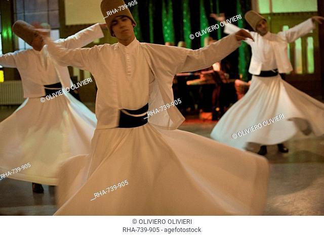 Drevish mystic dance at the Sirkeci station, Istanbul, Turkey, Asia Minor, Eurasia