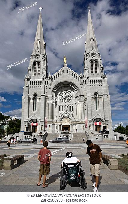 The facade of the basilica of Ste-Anne-de-Beaupré, in the town of the same name in Québec. Originally a shrine to Ste. Anne, the patron saint of Québec