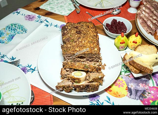 Easter Sunday is celebrated with an Easter breakfast. Easter breakfast includes the foods blessed on Easter Saturday as well as other traditional Easter foods...