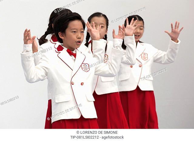 South Korea, Seul, Jamsil Olymoic stadium, design fair, children singing