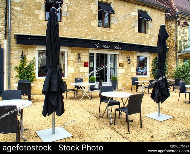 outdoor tables at Le Petit Paris restaurant, Daglan, dordogne Department, Nouvelle Aquitaine, France