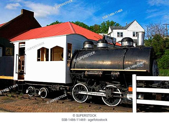 Train on a railroad track, Pufferbelly Train Depot, Pullman, Palouse Region, Spokane, Spokane County, Washington State, USA