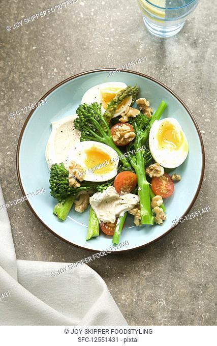 Tenderstem and egg salad with hummus