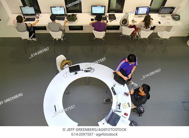 China, Hong Kong, New Territories, Sha Tin, Ma Liu Shui, New Asia College, Chinese University of Hong Kong, campus, student, Asian, teen, boy, studying