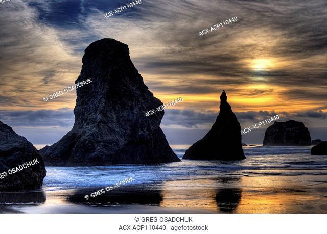 Sunset, Bandon Beach, Bandon, Oregon, USA