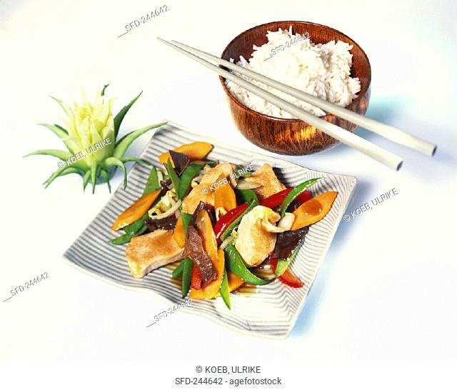 Wok-cooked turkey with vegetables & oyster sauce, rice