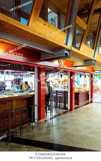 Spain, Catalonia, Barcelona, Santa Caterina market, La Torna restaurant from inside the market