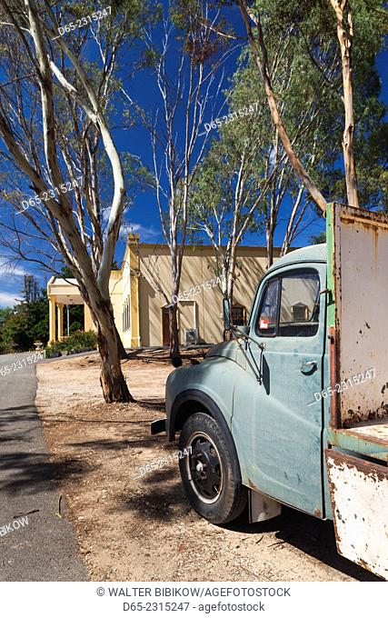 Australia, South Australia, Barossa Valley, Lyndoch, Chateau Barossa Winery, old truck