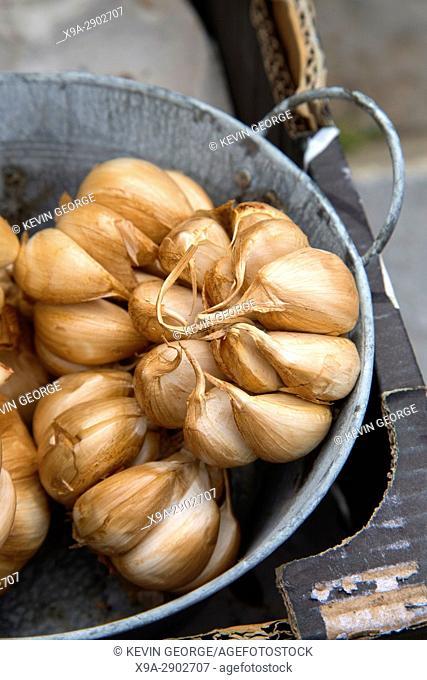 Brown Dried Garlic on Market, Stall,