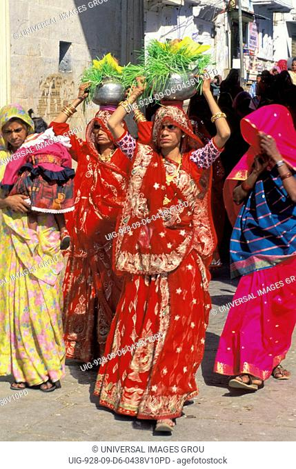 India, Rajasthan, Udaipur. Procession Of Women At Gangaur Festival March