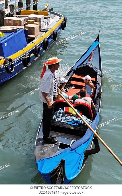Venezia (Italy): gondola along a canal