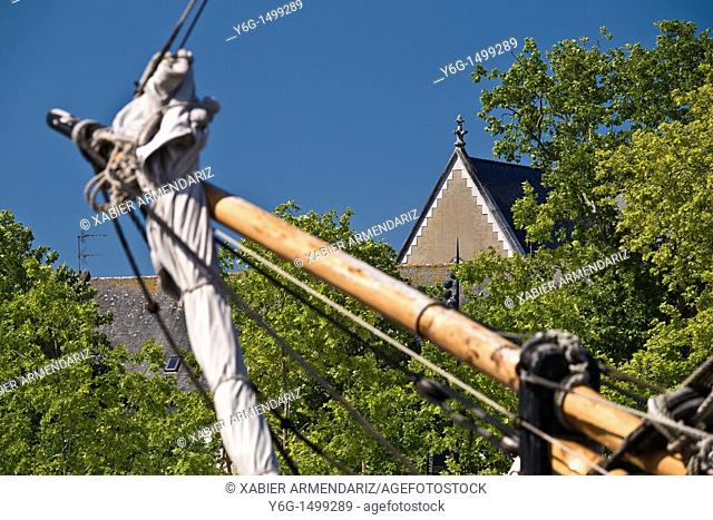 Bowsprit an old sailboat with a church in Vannes, Morbihan region, Bryttany, France, Europe
