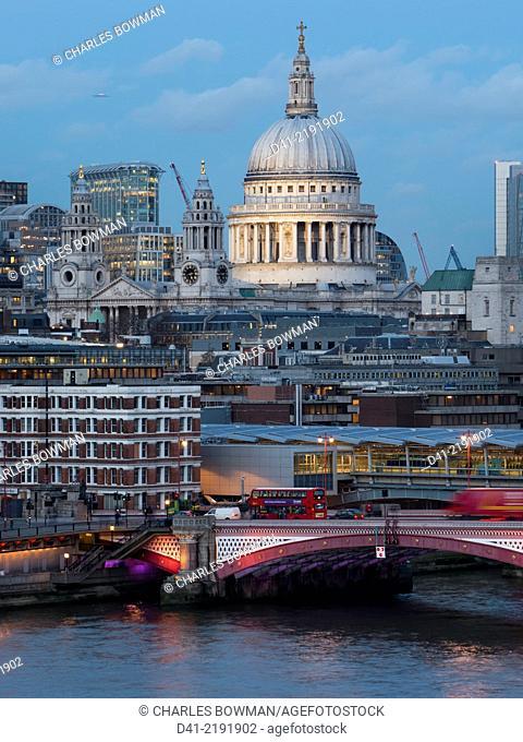 Europe, UK, England, London, St Pauls Blackfriars dusk vertical
