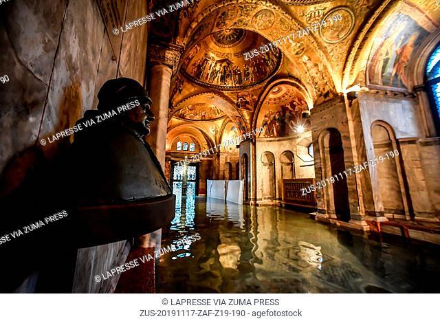 Foto LaPresse/Claudio Furlan.17 Novembre 2019 Veneziacronaca.L'interno della Basilica di San Marco dopo le maree record degli ultimi giorni