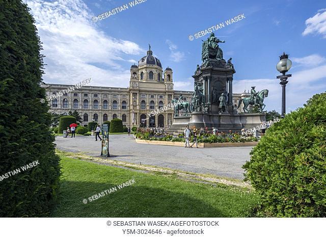 Empress Maria Theresia monument and Natural History Museum, Maria-Theresien-Platz, Vienna, Austria, Europe