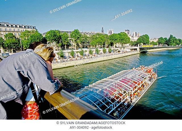 Paris-Plage Festival hold in August on the river Seine, expressway embankment closed to traffic. Sand beaches, palmes, cafes and games replace the cars