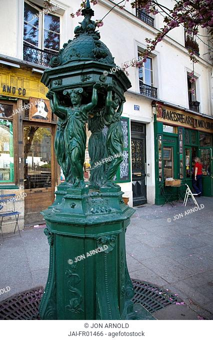 Shakespeare and Company bookshop, Latin Quarter, Paris, France