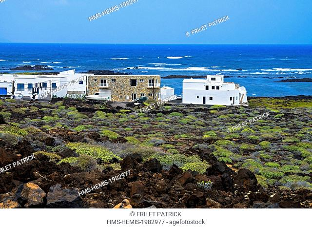 Spain, Canaries Islands, Lanzarote island, village and harbour of Orzola