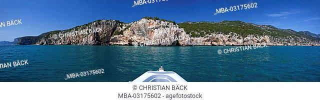 Boat tour to the Calas in the Golfo di Orosei, East sardinia, Sardinia, Italy, Europe