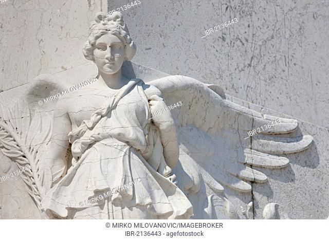 Angel statue in white marble, at the Il Vittoriano monument, Piazza Venezia, Rome, Italy, Europe