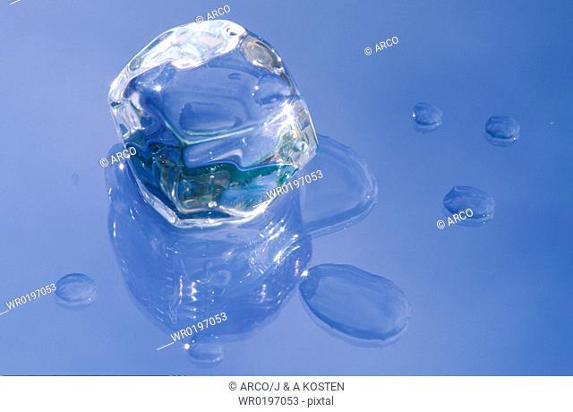 Ice, cube