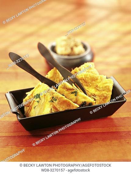 tortilla de almejas y chalotas