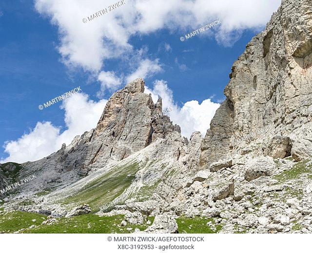 Summits of Croda da Lago in the Dolomites of the Veneto near Cortina d'Ampezzo. Part of the UNESCO world heritage. Europe, Central Europe, Italy