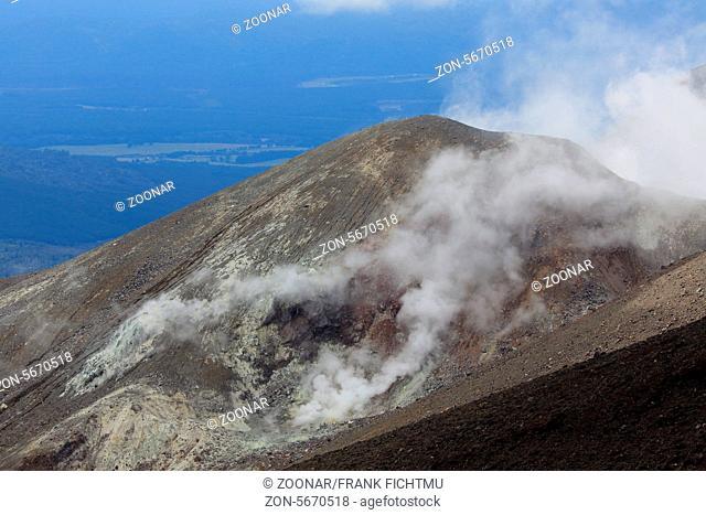Mt. Ngauruhoe Tongariro crossing New Zealand