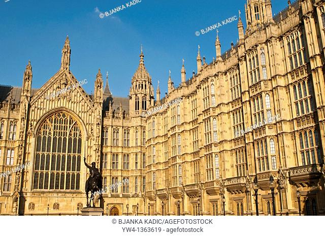 Houses of Parliament and statue of Richard the Lion Heart, Westminster, London, UK